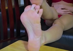 East tranny twirls her toes concerning bikini