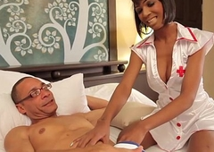 Black tranny nurse buttfucked by in the event that