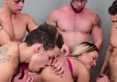 Shemale Mel Almeida Group-sex