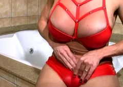 Mature shelady in sexy red machinery strokes bigtits coupled with t-dick