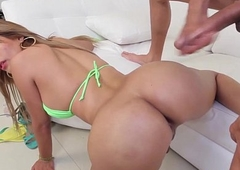 Finelooking bigbooty latin transsexual assdrilled