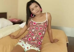 Teen Ladyboy Pae Bareback And Creampie