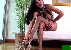 Solo lady-boy jerking for ages c in depth in stockings