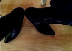 Fetish boots beggar cum in heels